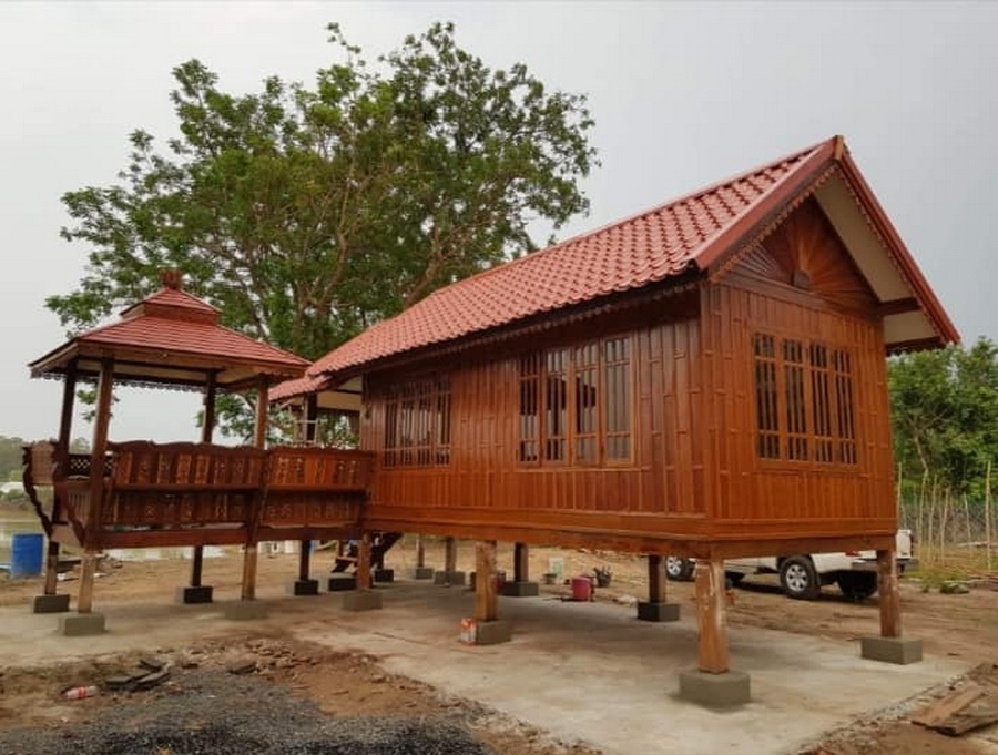 สร้างบ้านไม้สัก
